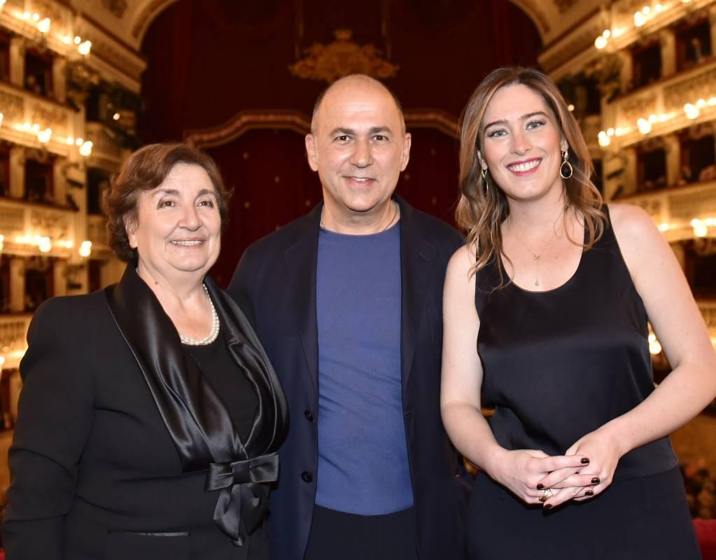 """Al San Carlo di Napoli """"La Traviata"""" diretta da Ozpetek"""