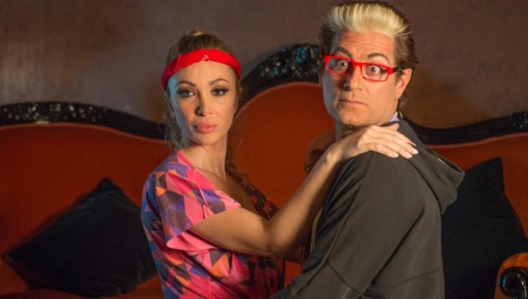 """Enrico Papi cambia vita: """"Mooseca"""" è il suo primo singolo!"""