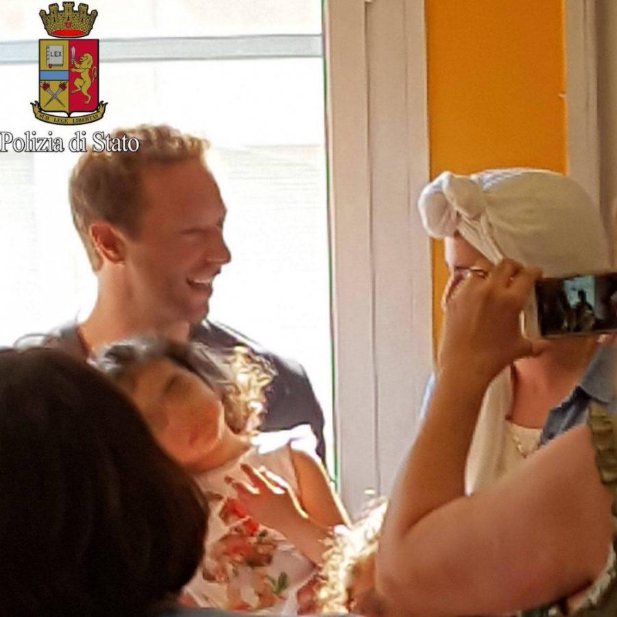 Coldplay: Chris Martin a sorpresa dai bimbi ricoverati in clinica
