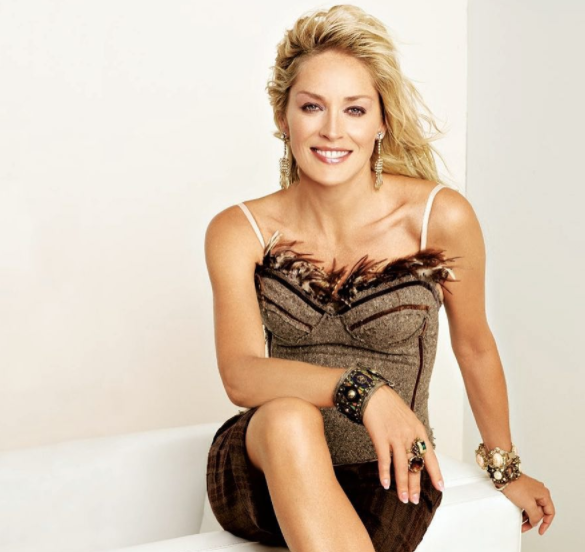 Sharon Stone provoca su Instagram: guardate che foto!
