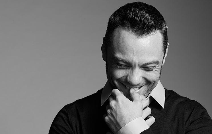 """""""Valore assoluto"""": il nuovo singolo di Tiziano Ferro è in radio!"""