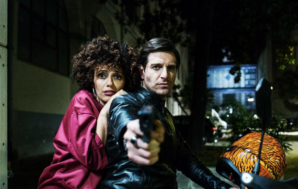 """Venezia 74: molti applausi per il film """"Ammore e Malavita"""""""