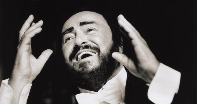 Luciano Pavarotti: a 10 anni dalla morte, ecco come verrà ricordato in TV