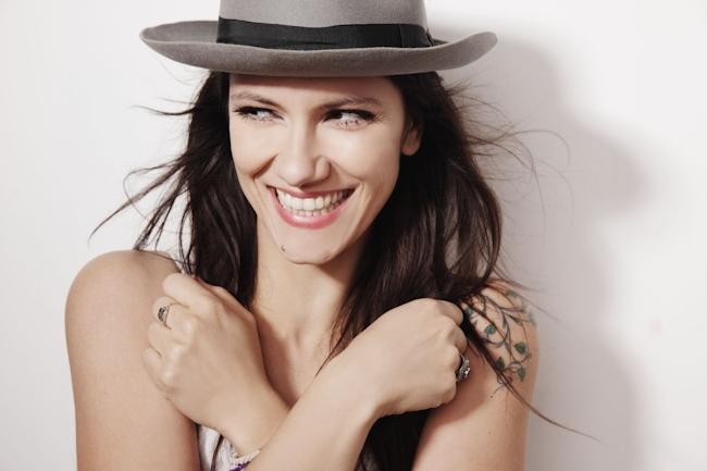 Buon compleanno Elisa: la cantante di Trieste oggi spegne 40 candeline!