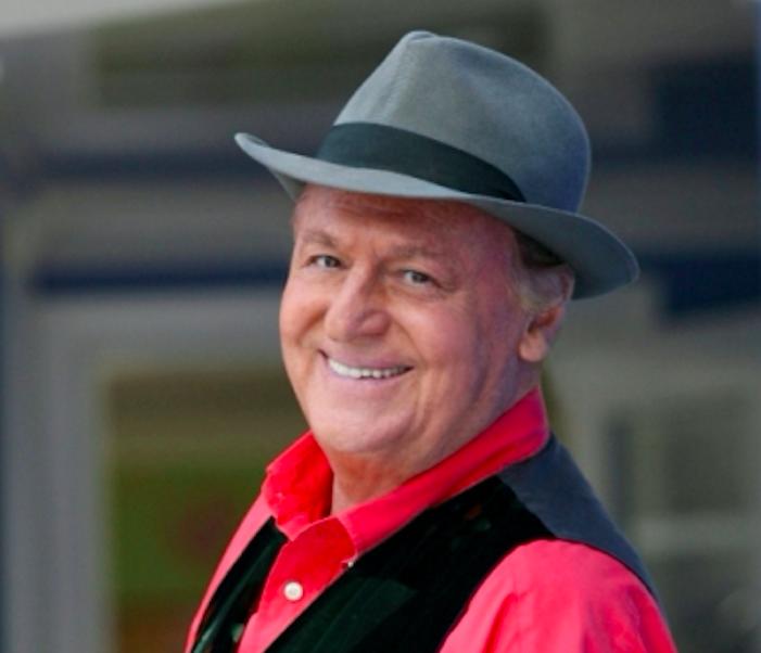 """""""Guarda… Stupisci"""": Renzo Arbore e il suo grande ritorno in televisione"""