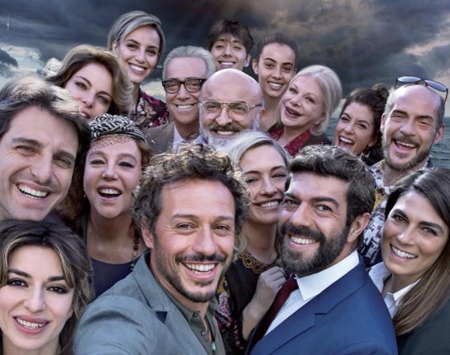 """Speciale Sanremo: i membri del cast di """"A casa tutti bene"""" super ospiti"""
