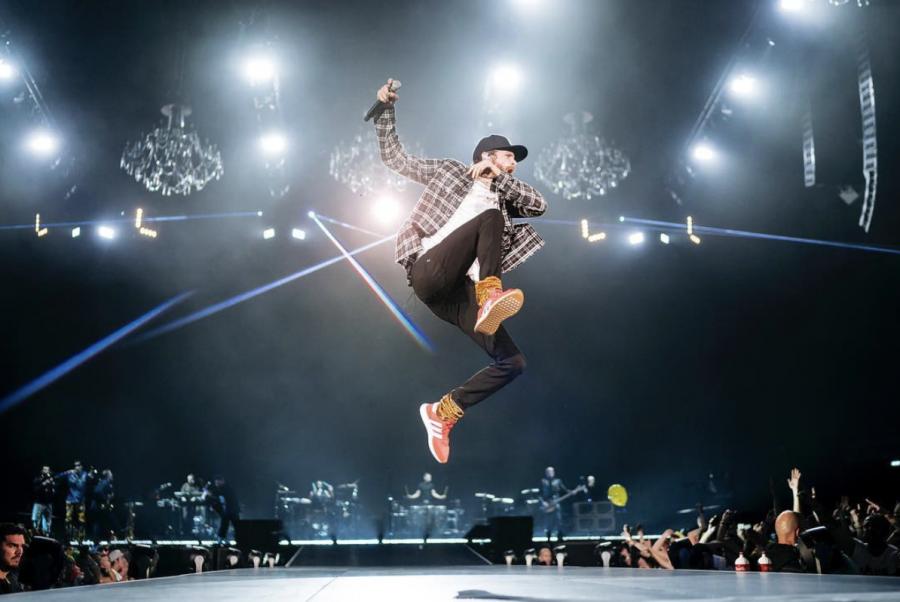 Jovanotti ieri ha iniziato il tour da Milano: scaletta e foto dello show