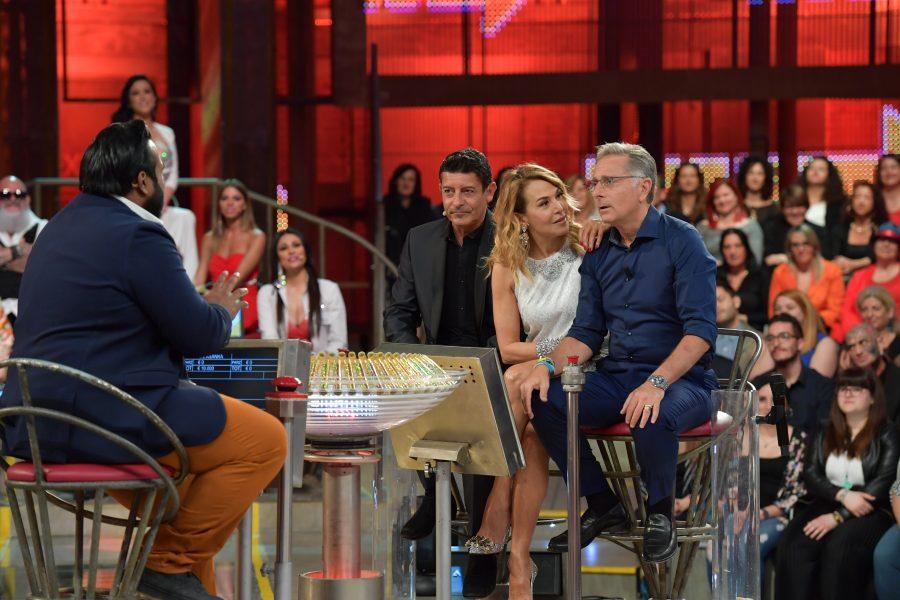 """Stasera su Canale 5 andrà in onda """"Avanti un altro, pure di sera!"""""""