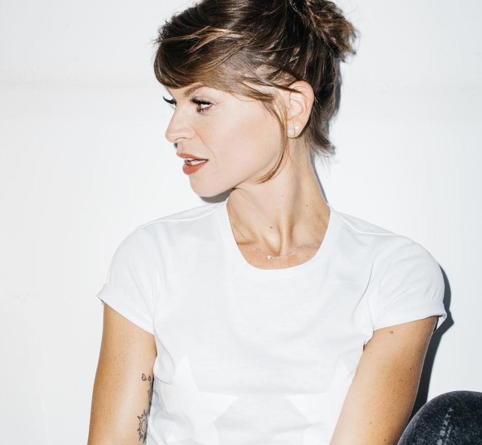 """""""10io"""": Alessandra Amoroso svela copertina e tracklist del suo nuovo disco"""