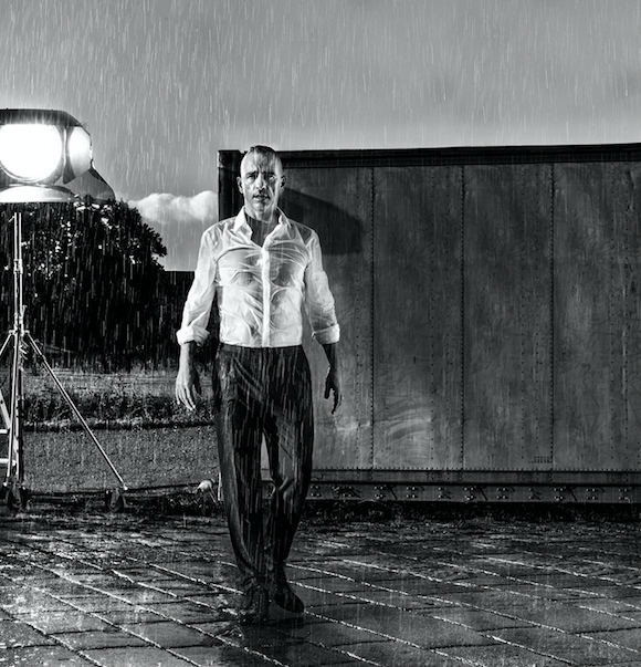 """Eros Ramazzotti svela il nuovo singolo: """"Vita ce n'è"""""""