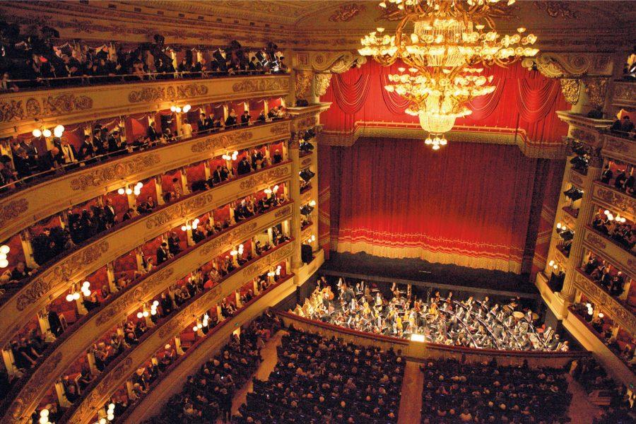La Scala di Milano e molti teatri avranno biglietti per gli under 25 a 2 euro!
