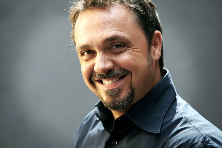 Gabriele Cirilli: nuovo tour teatrale per i 30 anni di carriera
