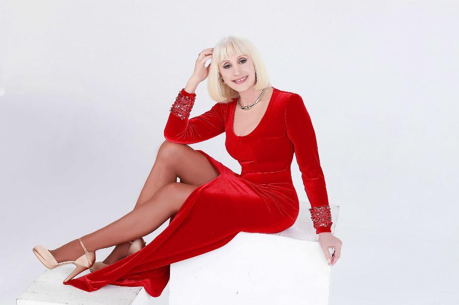 """""""Ogni volta che è Natale"""": il ritorno in grande stile di Raffaella Carrà"""