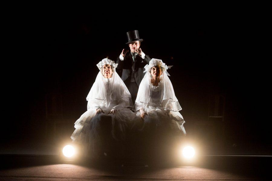 """Dal romanzo al palcoscenico: ritorna a teatro """"Sorelle Materassi"""""""