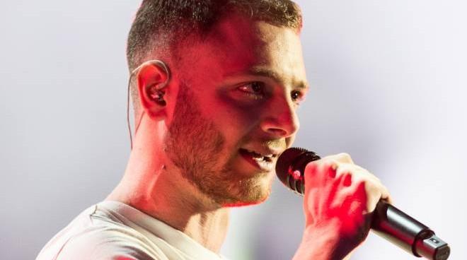 """Ad """"X Factor"""" il trionfo di Anastasio: vittoria tra rime e rap"""