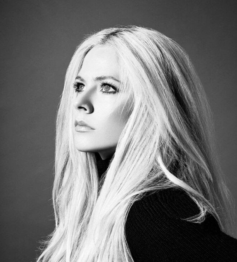Avril Lavigne: nuovo singolo, album e raduno a Milano