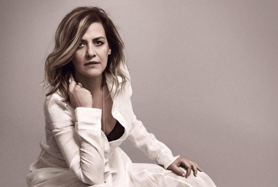 """""""I passi dell'amore"""": in radio il nuovo singolo di Irene Grandi"""