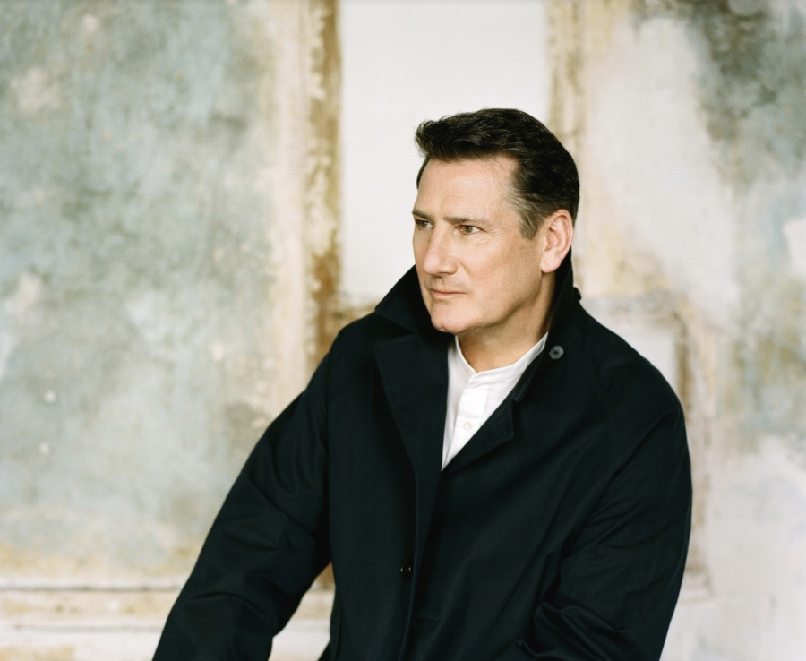 "Il ritorno di Tony Hadley: l'album ""Talking to the moon"" e un tour italiano"