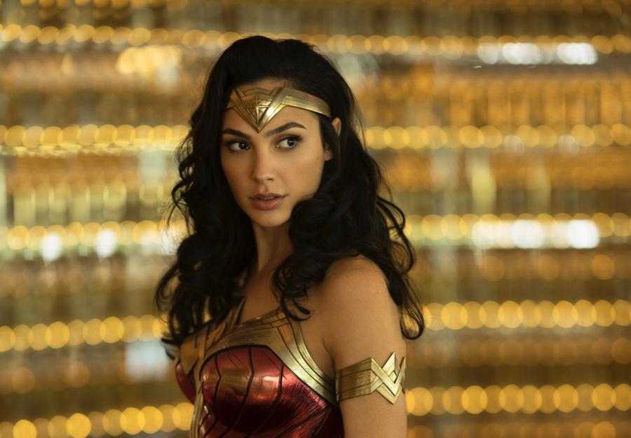 """""""Wonder Woman 1984"""": il poster ufficiale del secondo capitolo dell'eroina"""