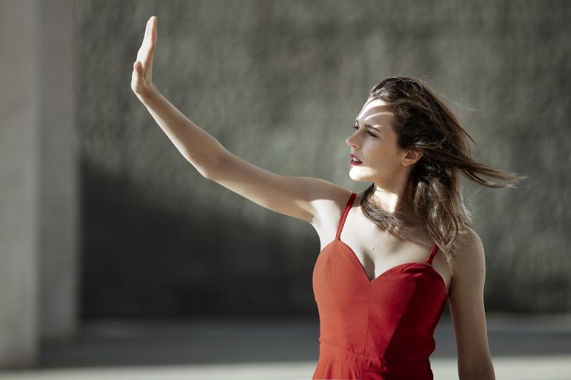 """Elisa Sapienza lancia il suo primo EP di inediti: """"Il tempo vola"""""""