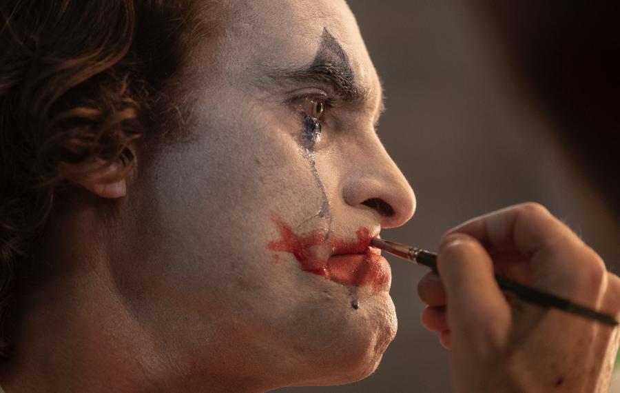 """""""Joker"""": final trailer e il nuovo poster del film di Todd Phillips"""