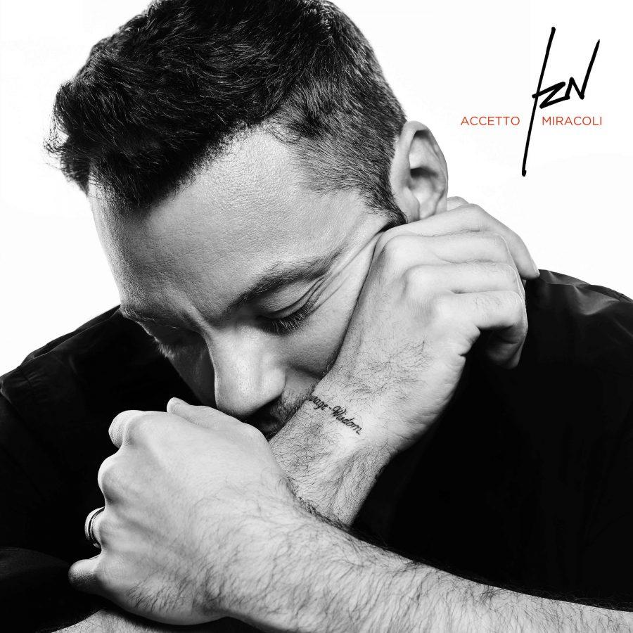 """""""Accetto miracoli"""", il nuovo singolo di Tiziano Ferro fuori il 20 settembre"""