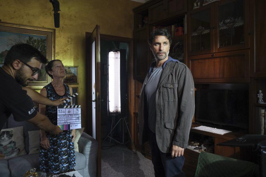 """Iniziate le riprese di """"Giustizia per tutti"""", la nuova serie con Raoul Bova"""