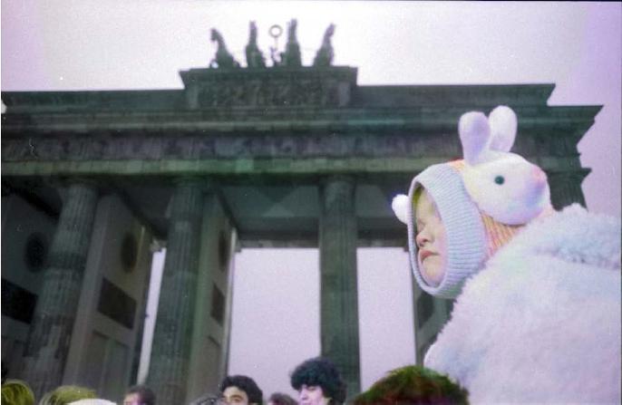"""""""Berlin, Bradenburger Tor 1989"""": per ricordare la caduta del Muro di Berlino"""