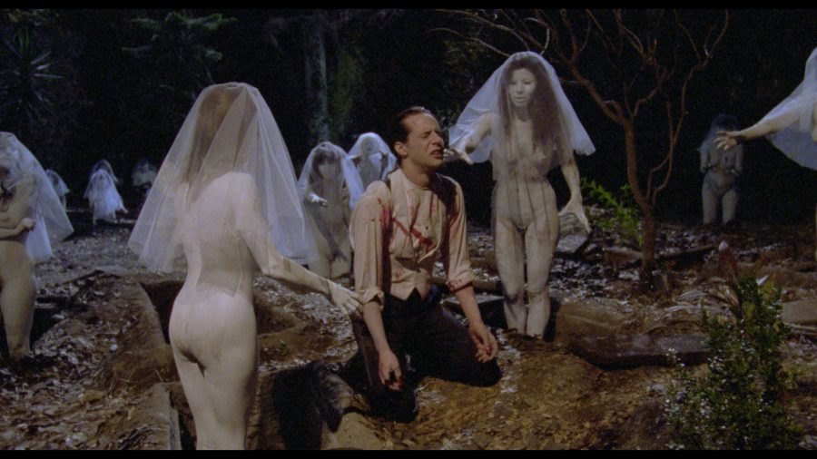 """Santa Sangre"": nuova clip del cult restaurato di Alejandro Jodorowsky"