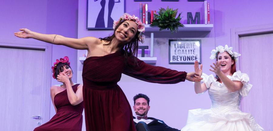 """Tess Masazza porta il format """"Insopportabilmente donna"""" nei teatri"""