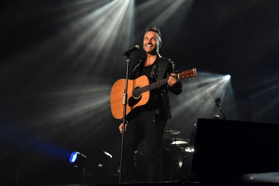 """Nek torna live: ecco gli appuntamenti estivi di """"Solo: chitarra e voce"""""""