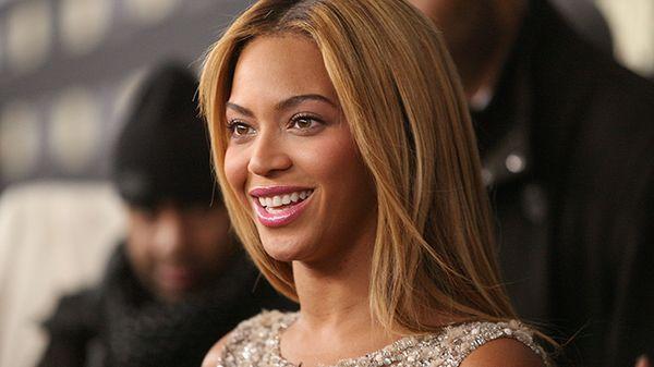 """Beyoncé: fuori a sorpresa il singolo """"Black Parade"""""""