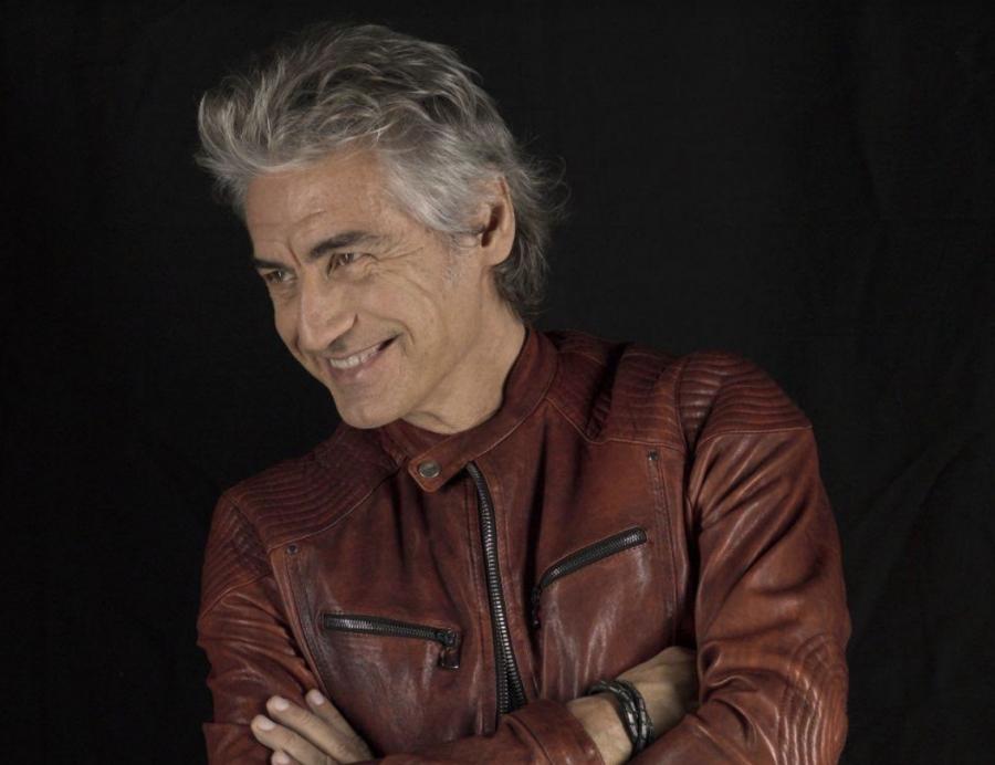 """Ligabue presenta il nuovo singolo """"La ragazza dei tuoi sogni"""" su Rai 1"""