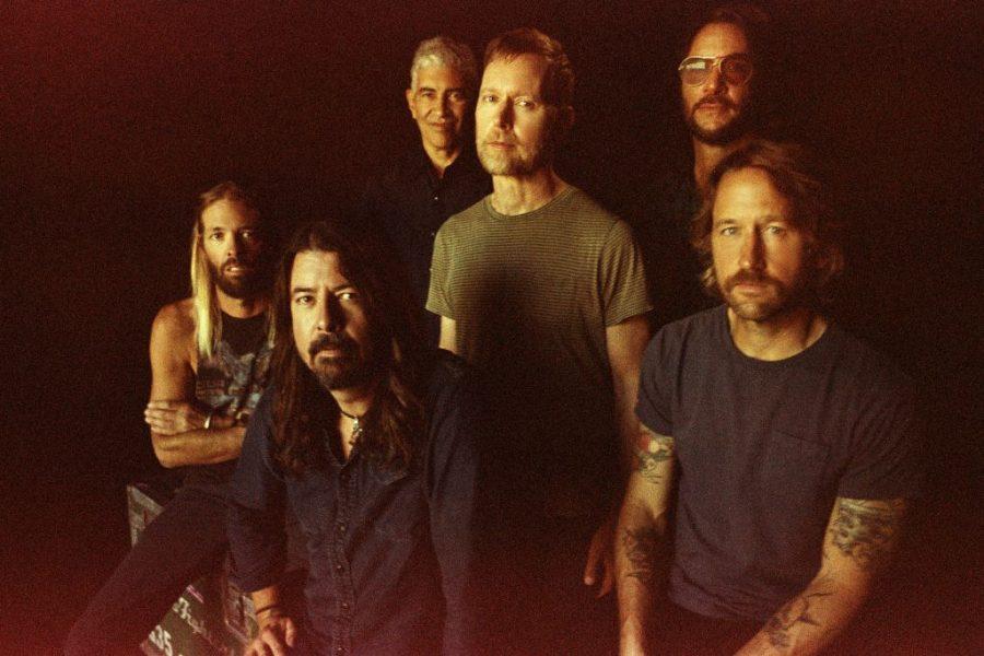 """I Foo Fighters pronti a tornare con il nuovo album """"Medicine At Midnight"""""""