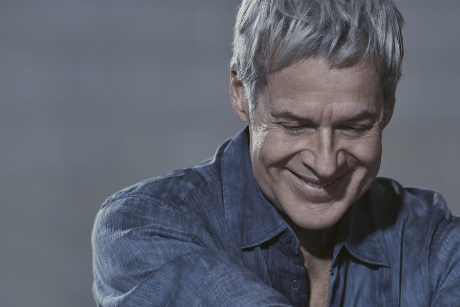 """Claudio Baglioni: online il video del singolo """"Uomo di varie età"""""""