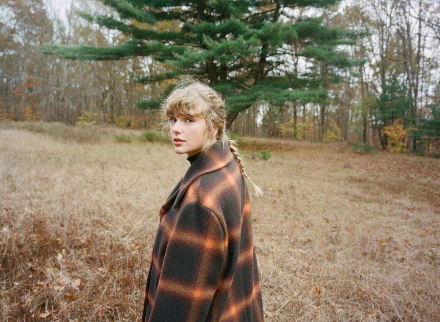 """Taylor Swift: l'album """"Evermore"""" la conferma regina dei numeri"""