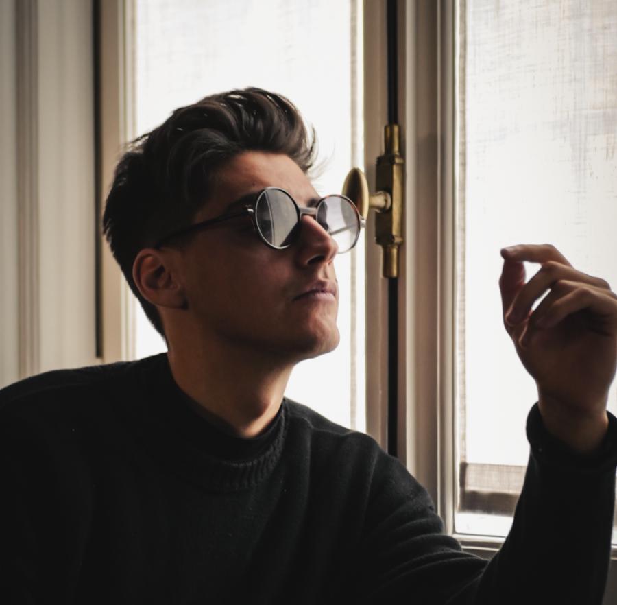 """Emanuele Aloia: fuori oggi il nuovo brano """"Quando Dio ti ha inventata"""""""
