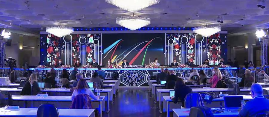 Sanremo 2021: Laura Pausini ospite, anticipazioni e cantanti prima puntata