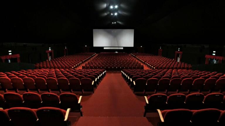 Dal 26 al via la riapertura di cinema e teatri nelle zone gialle