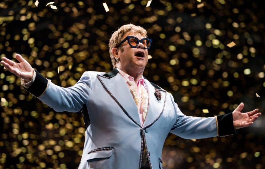 Elton John annuncia l'ultimo tour e l'ultimo concerto in Italia nel 2022